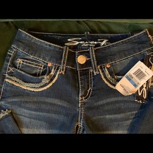SEVEN7 Jeans New with tags Size 25 flare dark